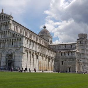 duomo e torre de pisa na itália