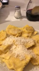massa fresca no restaurante tribunale em Parma