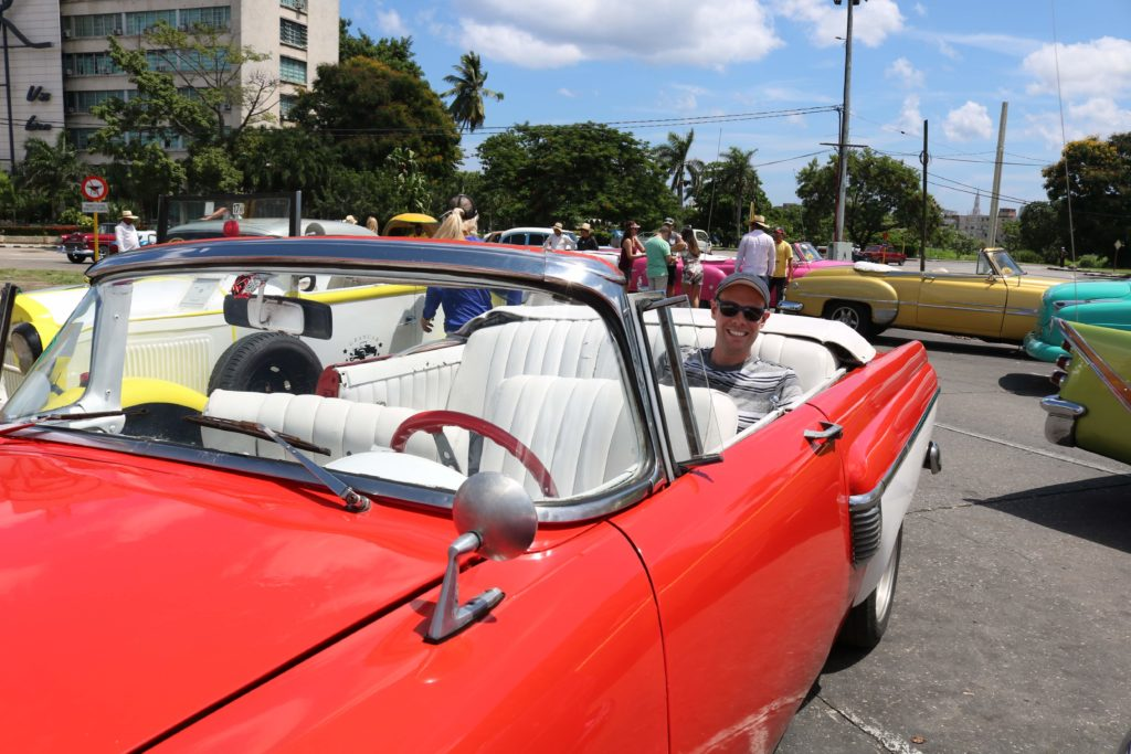 carros antigos em cuba 1024x683 - Havana - Cuba: Guia Completo
