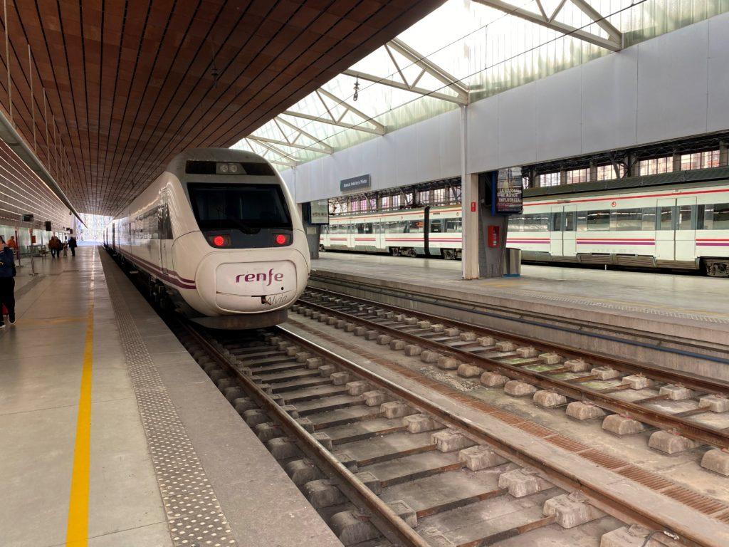 bilbao trem 1024x768 - Bilbao Espanha - Onde fica, roteiro e dicas