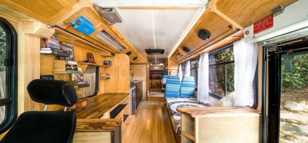 onibus australia 1024x477 - Airbnb - segredos para conseguir desconto em sua hospedagem + Cupom Ativo