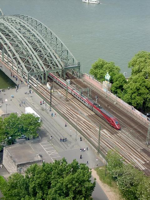 trem thalys - Viajar pela Europa de Trem ou avião ?